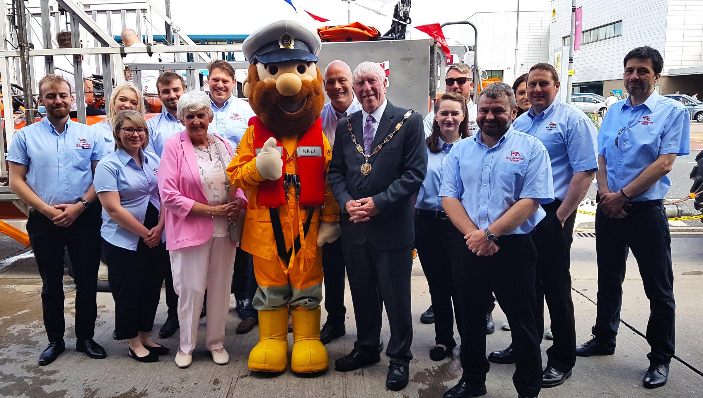 Record-breaking family day raises £3,500 for RNLI New Brighton