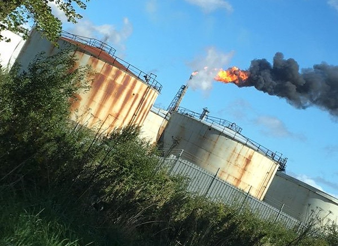 Huge flames seen at Stanlow Refinery near Ellesmere Port not an emergency, fire service confirms