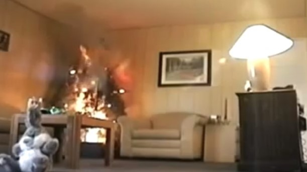 This is how long it takes for a Christmas tree fire to destroy a whole living room