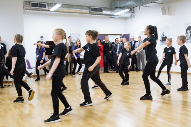 Junior dancers from The Hive showcasing their moves to the Duke and Duchess of Sussex