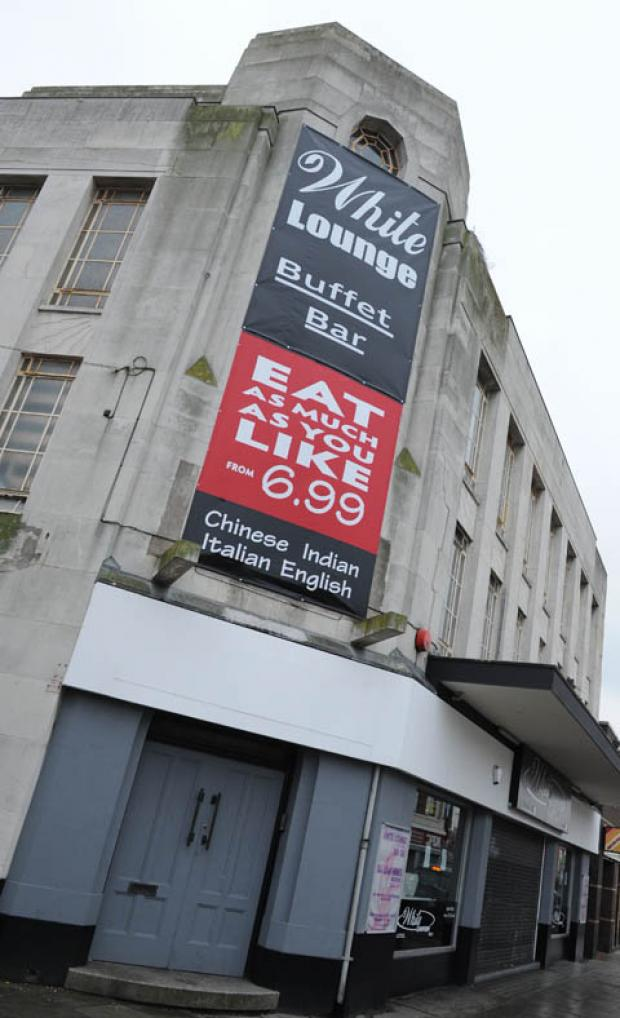 Opposition to plans for Wirral bar