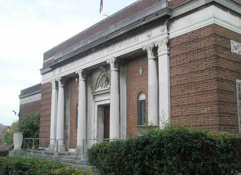Wirral Globe: Wirral Council loans come under fire in battle to save Williamson art gallery