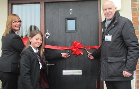 Wirral Globe: Jenny Witten, Poppi Rossell and Patrick McCarthy cut the ribbon