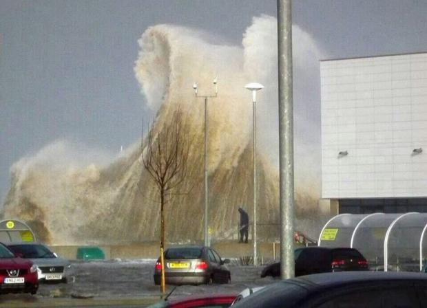 Wirral Globe: Wirral braced for more severe weather this weekend