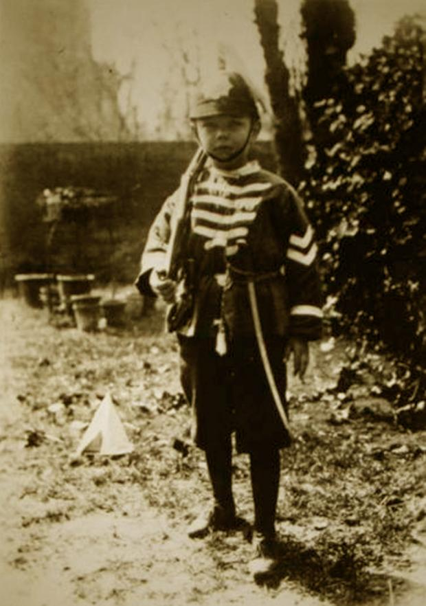 Wirral Globe: Wilfred Owen aged five