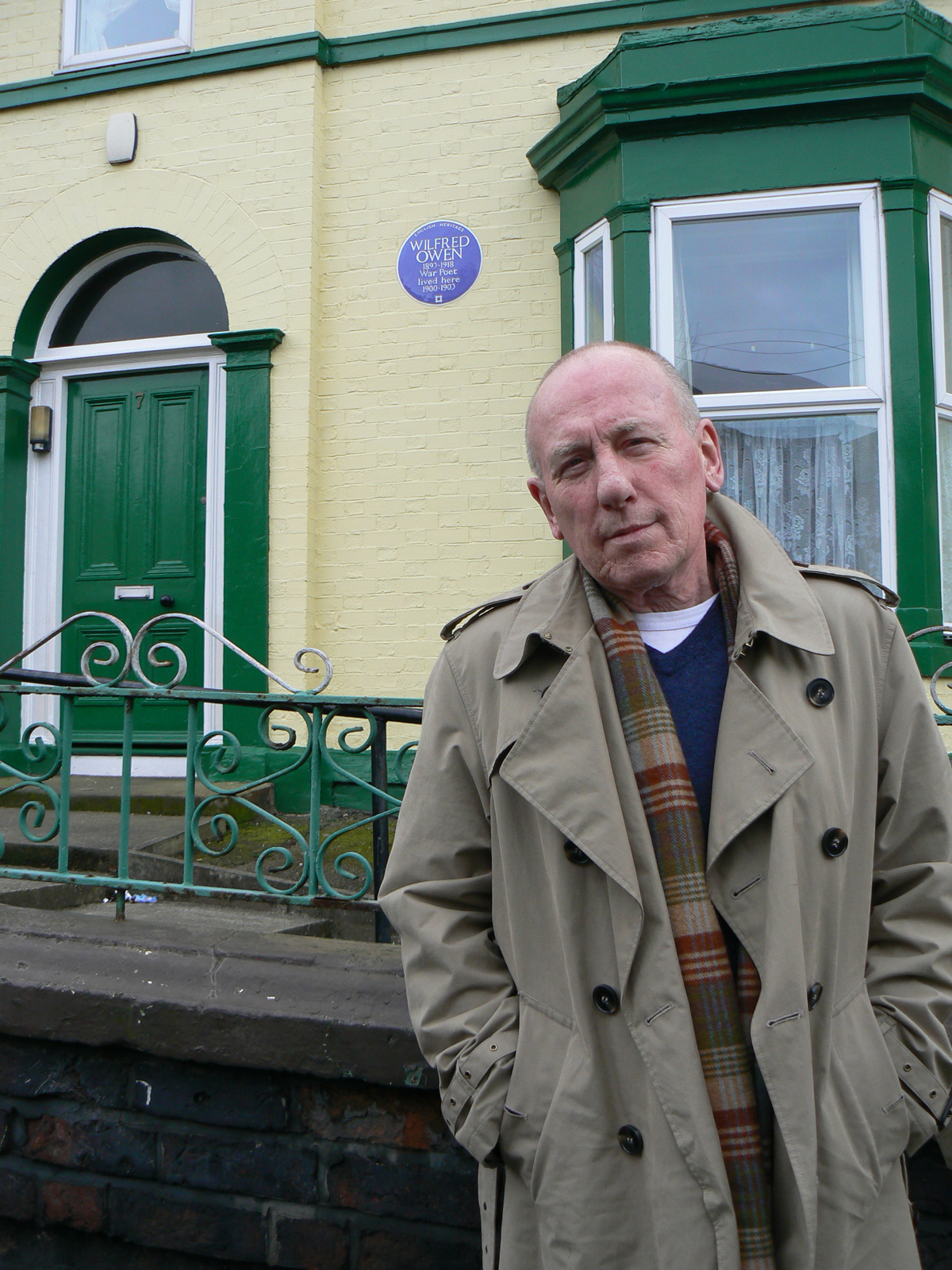 Christopher Timothy outside Owen's childhood home