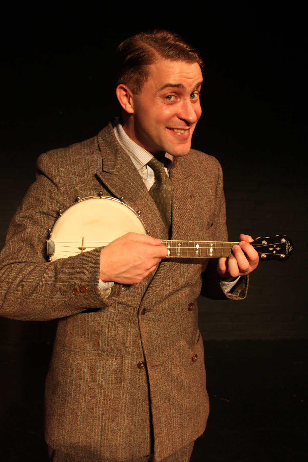 Wirral Globe: Ewan Wardrop as George Formby