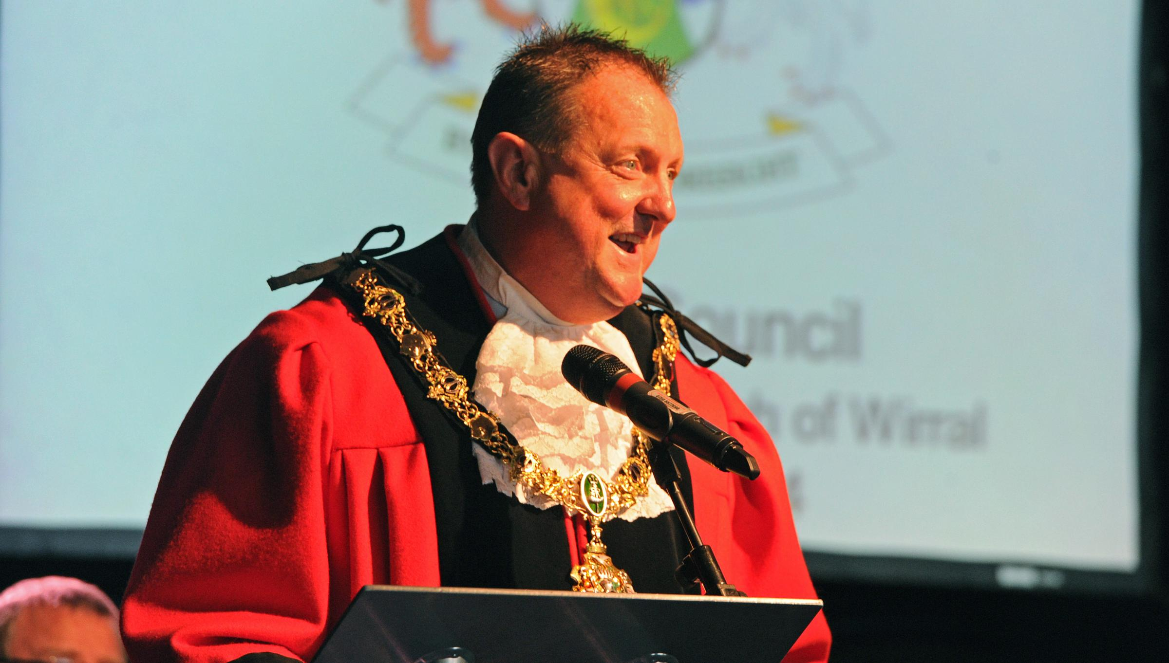 VIDEO: Former council leader takes up Wirral's mayoral chains