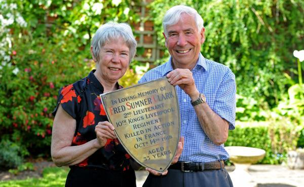 Diane and John Robinson with the plaque commemorating Lt Fred Sumner Clark.