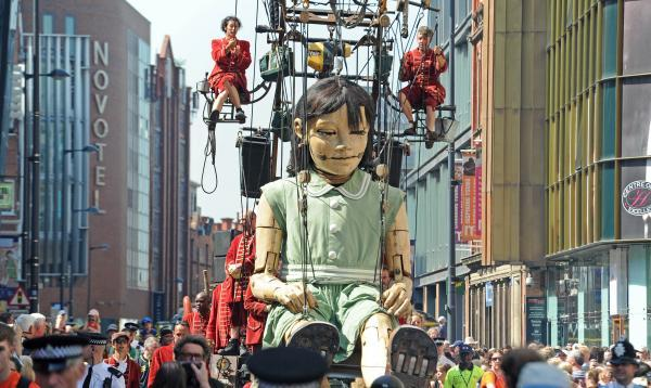Little Girl Giant wows the crowds.