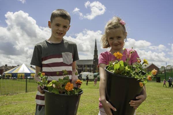 Birkenhead children are being given the opportunity to take part in natural play sessions at a local park this summer