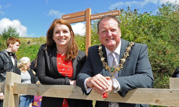 Alison McGovern MP and Wirral mayor, Cllr Steve Foulkes, at Port Sunlight River Park this afternoon. Picture: Paul Heaps