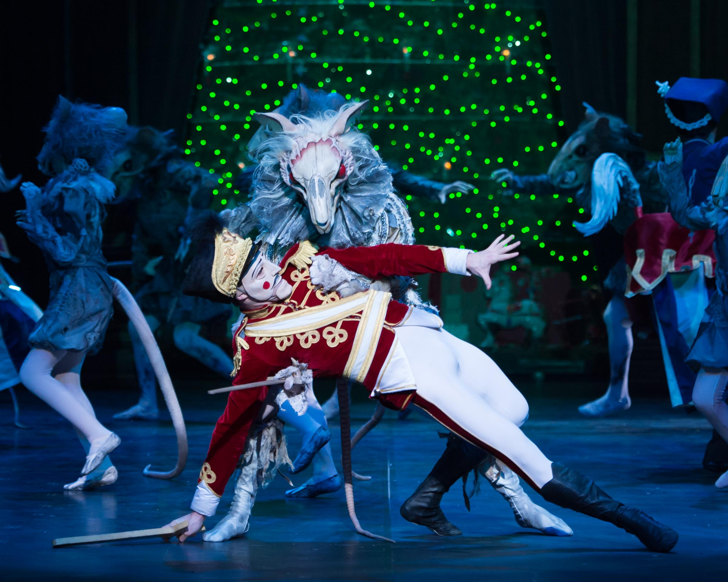 claylees nutcracker review Nutcracker: moscow ballet's great russian nutcracker review   entertainment   holiday family entertainment that everyone will enjoy.