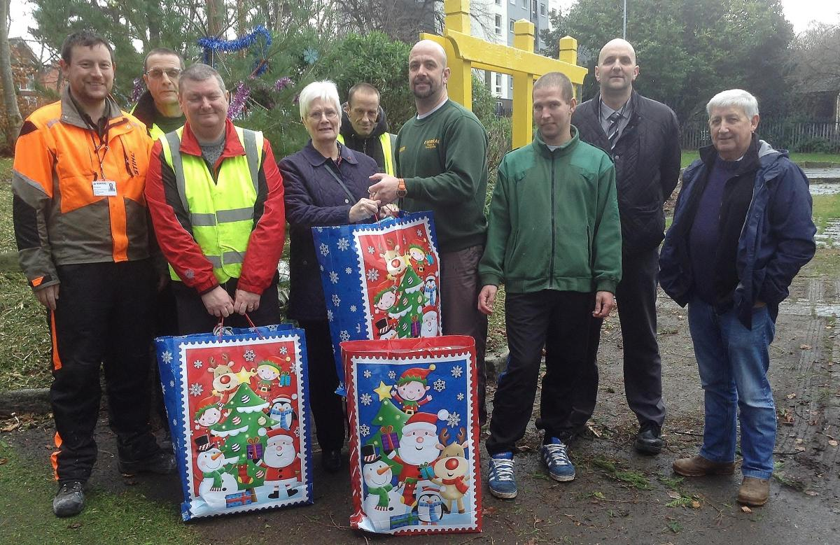 Wirral park ranger becomes Santa in reverse grotto for charity ... 8f2077348255