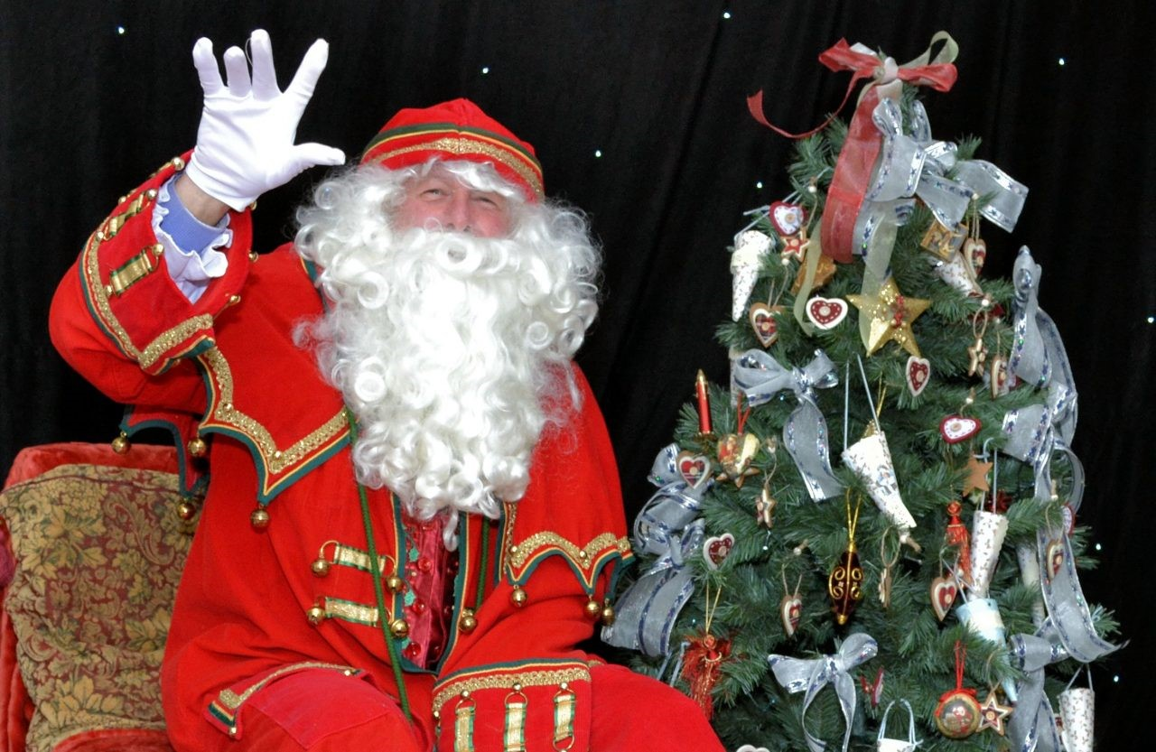 Children will be able to take part in Christmas activities and will be able to visit Santa in his Front Parlour Grotto