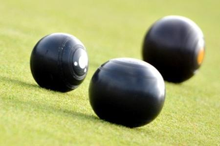 CROWN GREEN BOWLS: Flyers win for Andrews