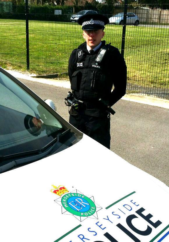 Police officer starts beat in Birkenhead Business Improvement District