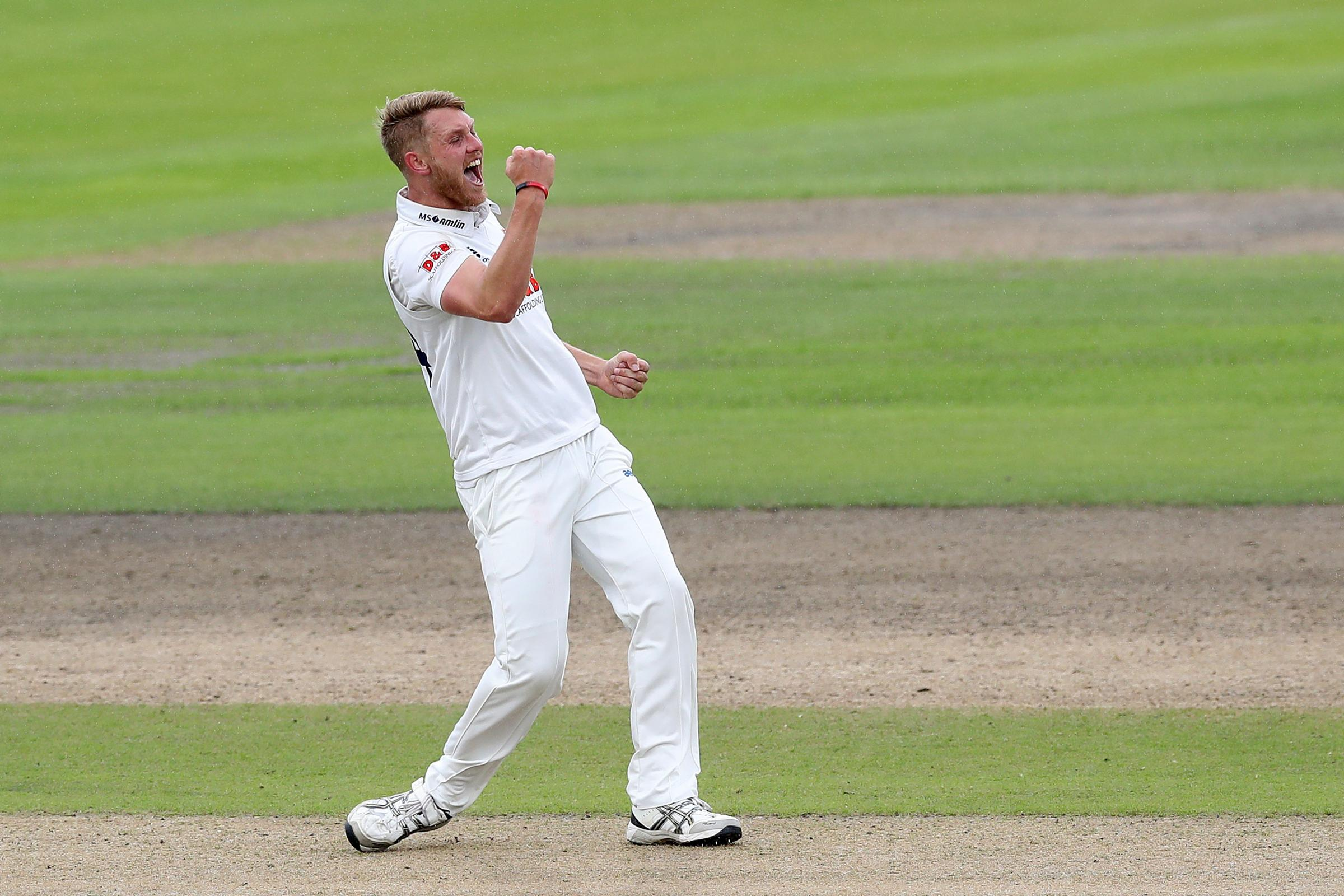 Lancashire v Essex – Specsavers County Championship – Division 1 – Day Two – Emirates Old Trafford